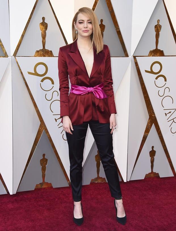 Không hổ danh là nữ thần thảm đỏ, mỹ nhân La La Land Emma Stone diện quần áo giản đơn vẫn thần thái xuất sắc - Ảnh 3.