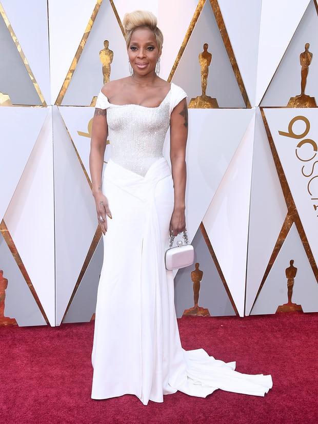 Thảm đỏ Oscar 2018: Cuộc chiến sắc đẹp giữa các nữ thần nhan sắc hàng đầu Hollywood - Ảnh 15.