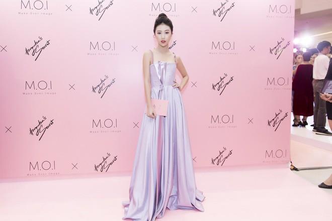Khoe sắc vóc thanh tân trong chiếc đầm tím chuẩn trend, Quỳnh Anh Shyn nào có kém đàn chị Đông Nhi - Ảnh 7.