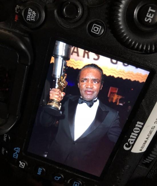 Chuyện hy hữu: Tượng vàng Oscar của Nữ diễn viên chính xuất sắc bị đánh cắp ngay sau lễ trao giải - Ảnh 2.