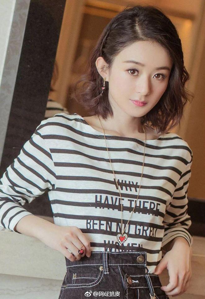 Mặc áo Dior nhưng Triệu Lệ Dĩnh lại bị mỉa mai rằng trông như đang diện đồ Taobao - Ảnh 3.