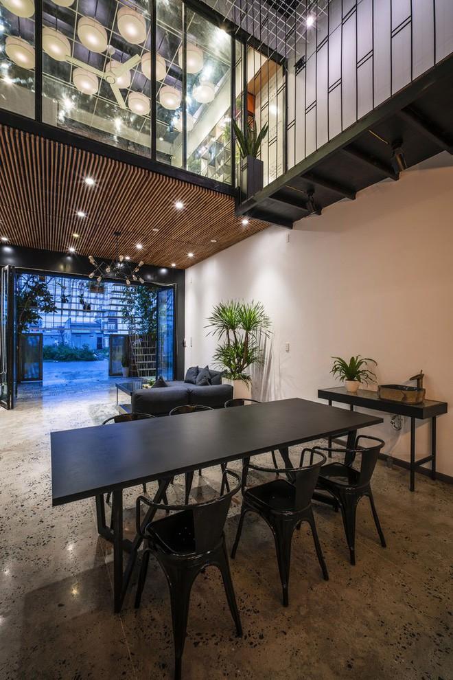 Bất ngờ với ngôi nhà toàn sắt thép nhưng đẹp, mềm mại và vô cùng thư giãn ở Đà Nẵng - Ảnh 8.