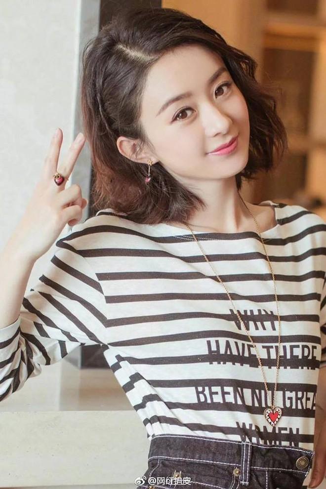 Mặc áo Dior nhưng Triệu Lệ Dĩnh lại bị mỉa mai rằng trông như đang diện đồ Taobao - Ảnh 4.