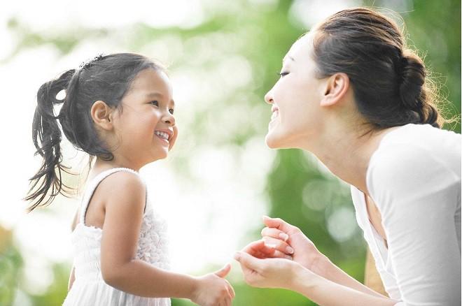 '. Các mẹ có biết sự dịu dàng của bản thân chính là cách đem đến cho con những bài học vĩ đại nhất? .'