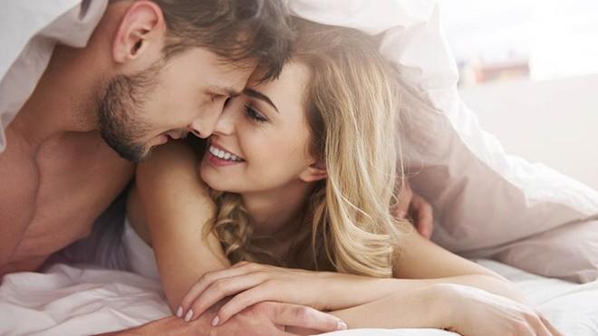 Khóc dở mếu dở khi đọc tâm thư của những ông chồng phải gồng mình lên để chiều vợ sinh lý cao - Ảnh 1.