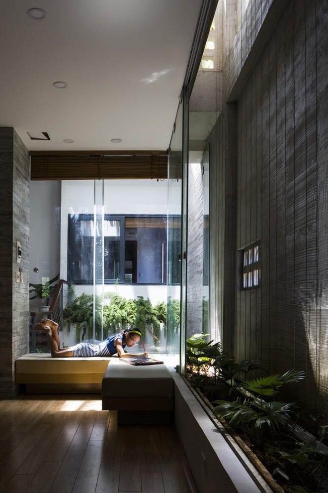 Ngôi nhà sâu 35m với khu vườn trên sân thượng đẹp muốn hờn ở Đà Nẵng - Ảnh 11.