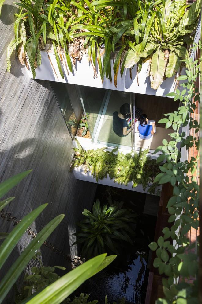 Ngôi nhà sâu 35m với khu vườn trên sân thượng đẹp muốn hờn ở Đà Nẵng - Ảnh 12.