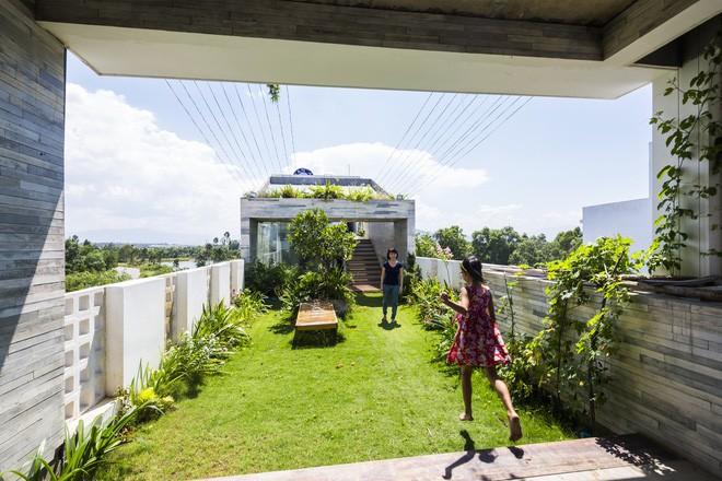 Ngôi nhà sâu 35m với khu vườn trên sân thượng đẹp muốn hờn ở Đà Nẵng - Ảnh 17.