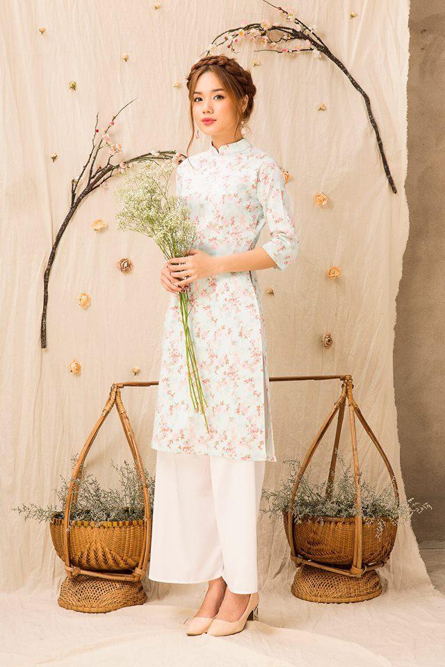 Còn đúng 1 tháng nữa là Tết, và đây là 7 mẫu áo dài cách tân đẹp duyên nhất cho nàng diện trong Tết này - Ảnh 20.