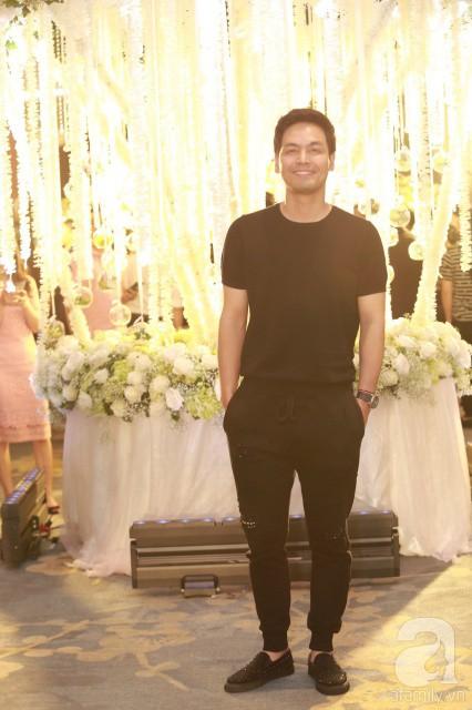 MC Phan Anh, Hồng Quế và dàn khách mời hạng A tưng bừng hội ngộ trong đám cưới hoành tráng của Khắc Việt - Ảnh 8.