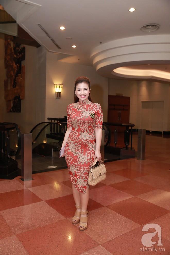 MC Phan Anh, Hồng Quế và dàn khách mời hạng A tưng bừng hội ngộ trong đám cưới hoành tráng của Khắc Việt - Ảnh 2.