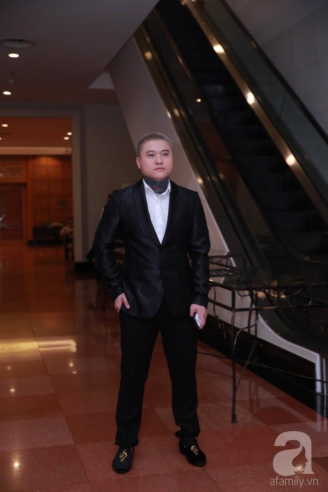 MC Phan Anh, Hồng Quế và dàn khách mời hạng A tưng bừng hội ngộ trong đám cưới hoành tráng của Khắc Việt - Ảnh 6.