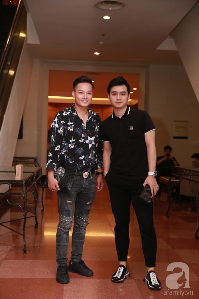 MC Phan Anh, Hồng Quế và dàn khách mời hạng A tưng bừng hội ngộ trong đám cưới hoành tráng của Khắc Việt - Ảnh 7.