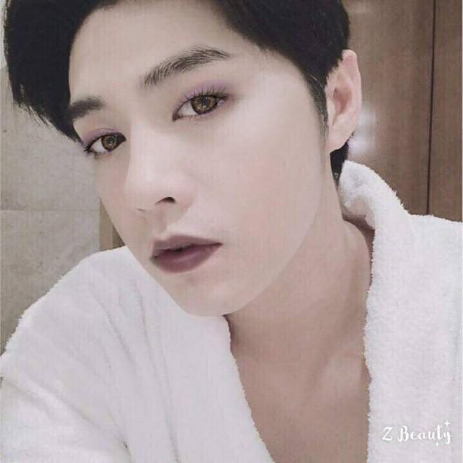 Trang điểm da trắng môi hồng xinh lung linh, Noo Phước Thịnh khiến fan ngỡ ngàng chẳng nhận ra - Ảnh 5.