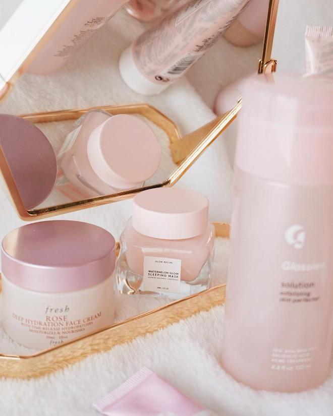 Mặt nạ màu hồng thơm nức mùi dưa hấu, giúp da căng bóng chỉ sau một đêm đang là chân ái của nhiều cô nàng trên Instagram - Ảnh 3.