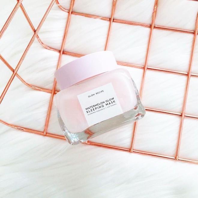 Mặt nạ màu hồng thơm nức mùi dưa hấu, giúp da căng bóng chỉ sau một đêm đang là chân ái của nhiều cô nàng trên Instagram - Ảnh 4.