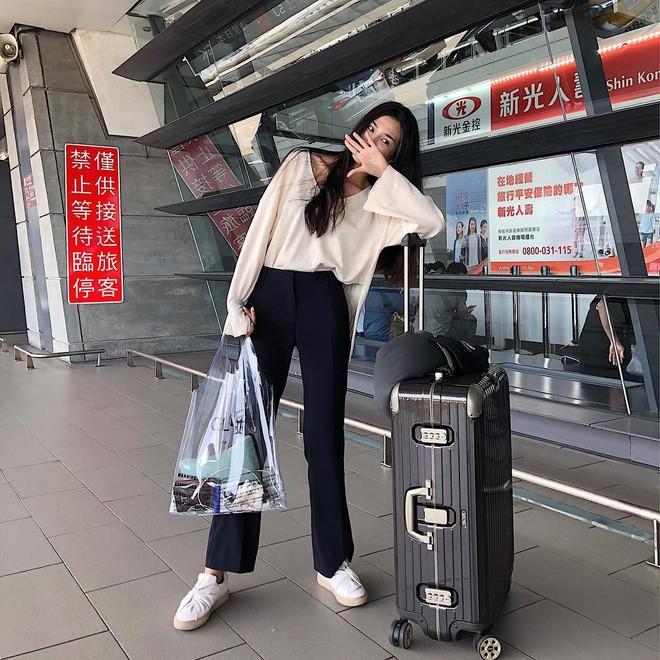 Trông hệt như túi nilon đi chợ nhưng túi nhựa trong có giá hơn 20 triệu của Celine đang được các tín đồ thời trang thích điên cuồng - Ảnh 14.