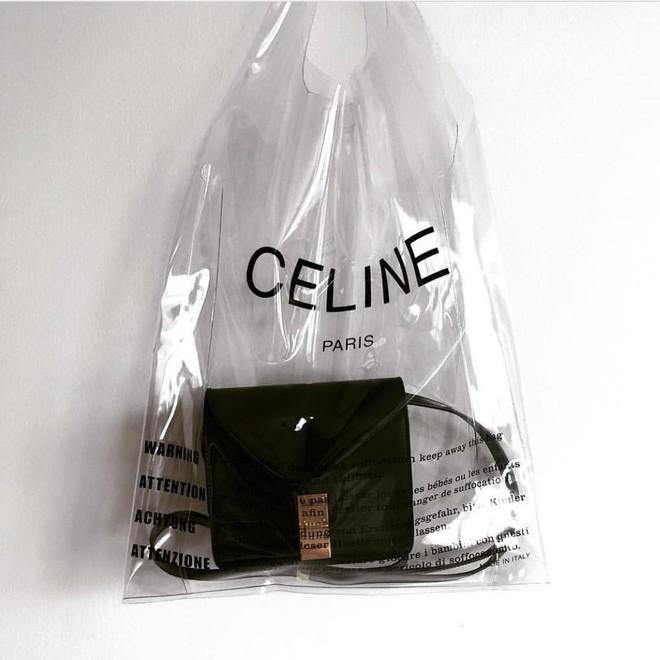 Trông hệt như túi nilon đi chợ nhưng túi nhựa trong có giá hơn 20 triệu của Celine đang được các tín đồ thời trang thích điên cuồng - Ảnh 20.