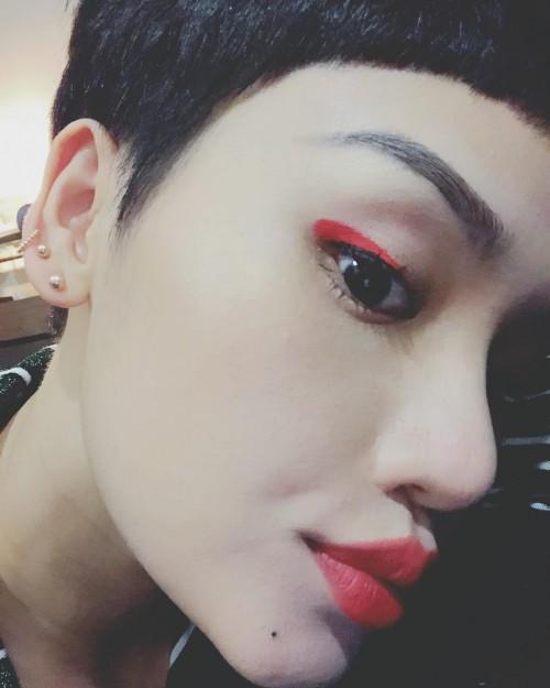 Môi tều là xu hướng nhưng không phải cứ bám trends là đẹp, Miu Lê là ví dụ điển hình! - Ảnh 4.