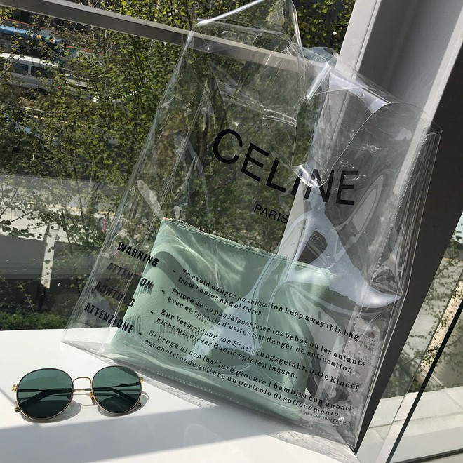 Trông hệt như túi nilon đi chợ nhưng túi nhựa trong có giá hơn 20 triệu của Celine đang được các tín đồ thời trang thích điên cuồng - Ảnh 5.
