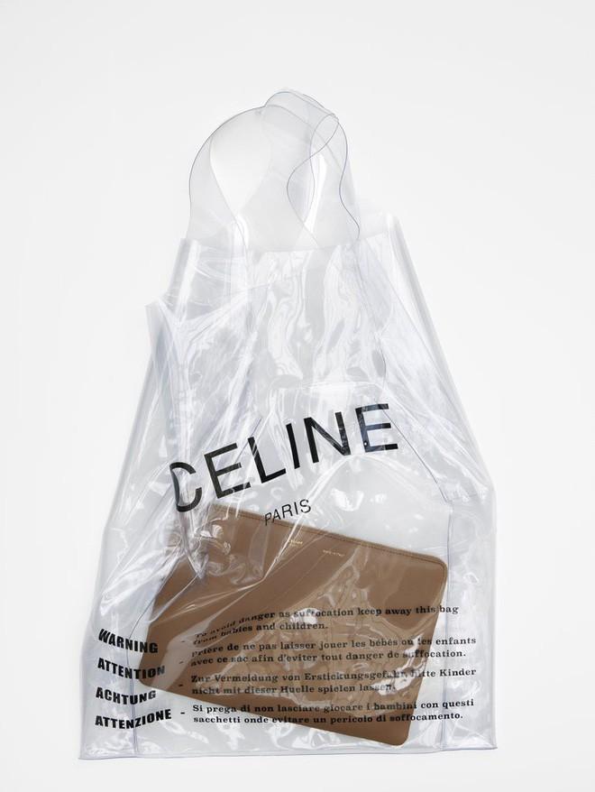 Trông hệt như túi nilon đi chợ nhưng túi nhựa trong có giá hơn 20 triệu của Celine đang được các tín đồ thời trang thích điên cuồng - Ảnh 9.