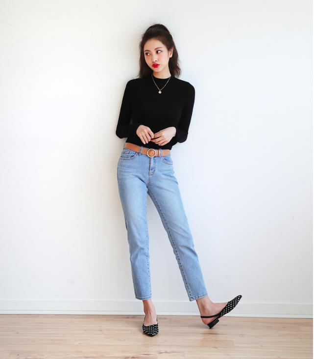 Định mặc quần jeans ống đứng, các nàng hãy chọn 1 trong 4 combo cứ lên đồ là đẹp miễn chê này - Ảnh 3.