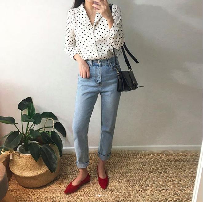 Định mặc quần jeans ống đứng, các nàng hãy chọn 1 trong 4 combo cứ lên đồ là đẹp miễn chê này - Ảnh 12.