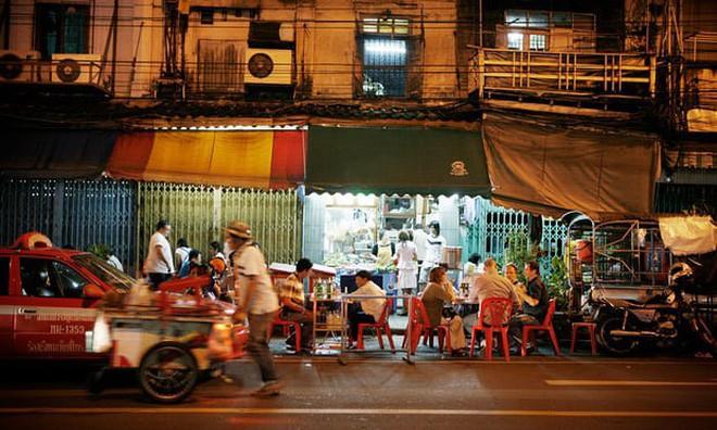 Quán ăn vỉa hè giá cao như nhà hàng đạt được ngôi sao Michelin danh giá ở Thái Lan, mỗi ngày chỉ phục vụ đúng 50 khách - Ảnh 3.