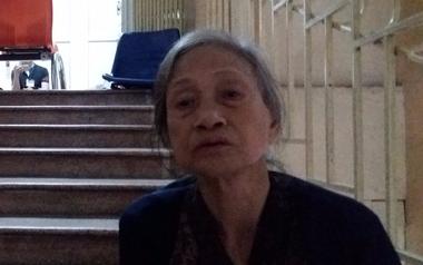 Mẹ của nạn nhân bị xe bán tải kéo lê: