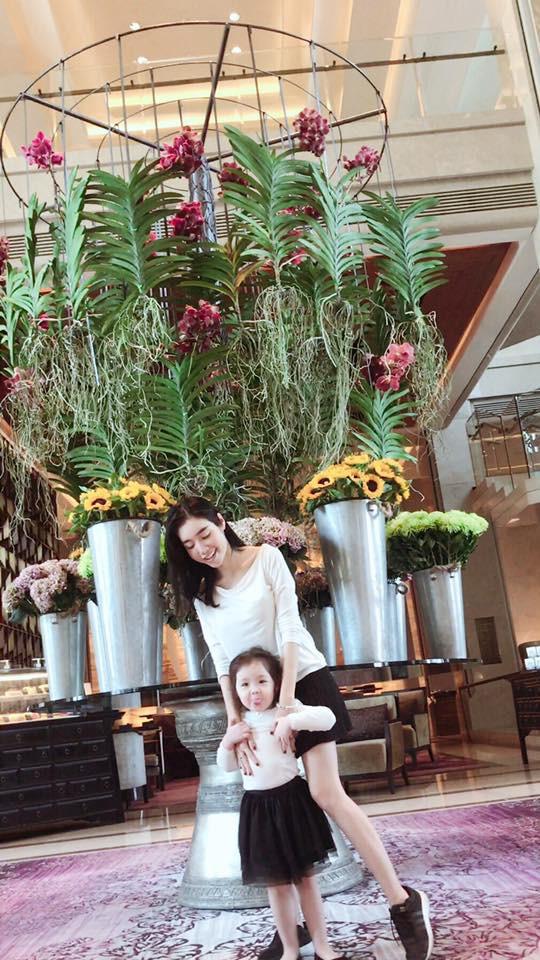 3 cặp mẹ con nhà sao Việt rất chăm mặc đồ đôi đồng điệu cùng nhau - Ảnh 4.