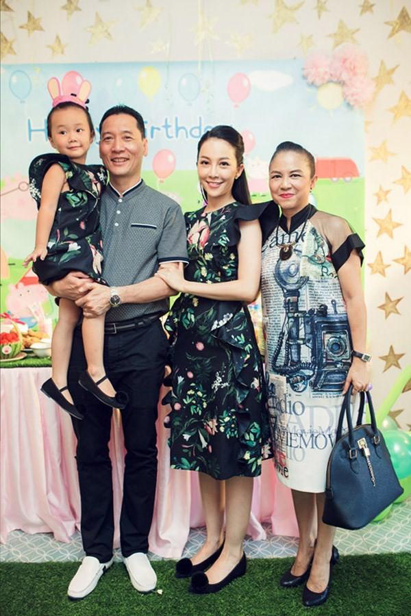 3 cặp mẹ con nhà sao Việt rất chăm mặc đồ đôi đồng điệu cùng nhau - Ảnh 21.