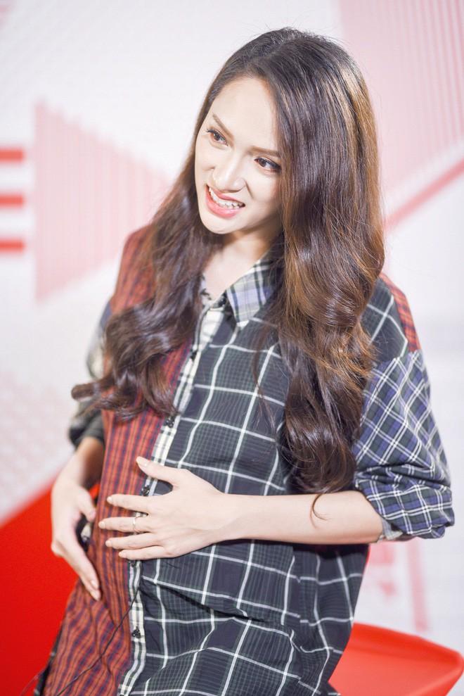 Sau scandal tình ái, Trường Giang chính thức có bầu với Hoa hậu Hương Giang - Ảnh 3.