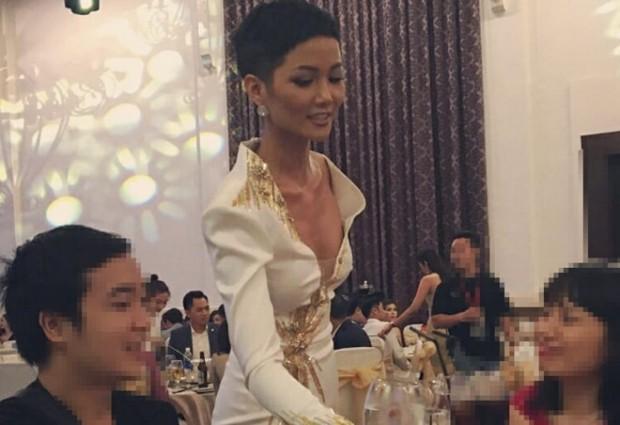 Khoe ảnh bikini, Hoa hậu HHen Niê vẫn bị cư dân mạng chê gầy gò, thiếu sức sống - Ảnh 3.