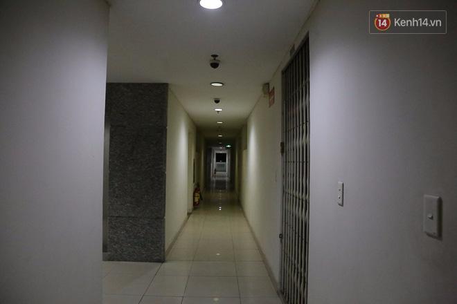 Cuộc sống u tối, lạnh lẽo của những cư dân bám trụ chung cư Carina sau vụ cháy 13 người chết - Ảnh 9.