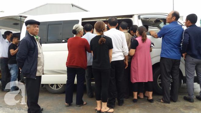Người cha lặng lẽ, không nói nên lời bên quan tài con gái bị đột tử tại Nhật Bản đã được đưa về đến Việt Nam - ảnh 8