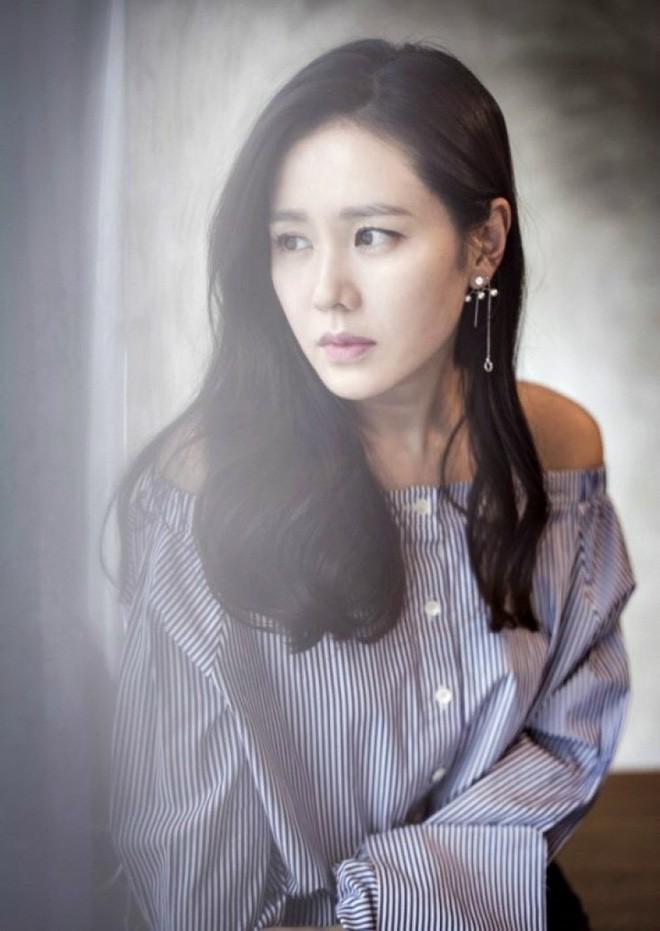 Hóa ra bí quyết để được thanh xuân ưu ái của chị đẹp Son Ye Jin đơn giản chỉ có vậy - Ảnh 3.