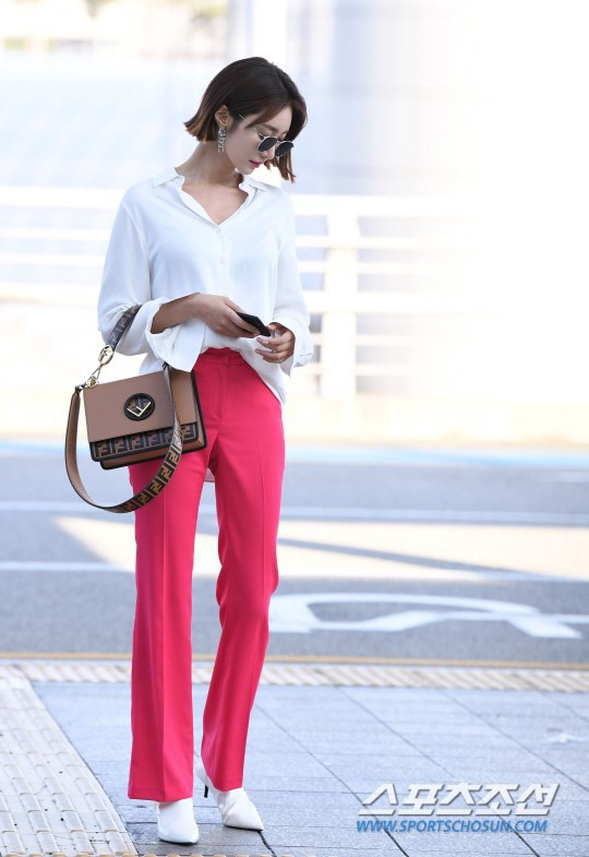 Bao năm rồi mỹ nhân She was pretty Go Jun Hee vẫn gây sốt vì đẹp đẳng cấp và sang chảnh khó tin tại sân bay - ảnh 3