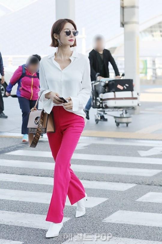 Bao năm rồi mỹ nhân She was pretty Go Jun Hee vẫn gây sốt vì đẹp đẳng cấp và sang chảnh khó tin tại sân bay - ảnh 4