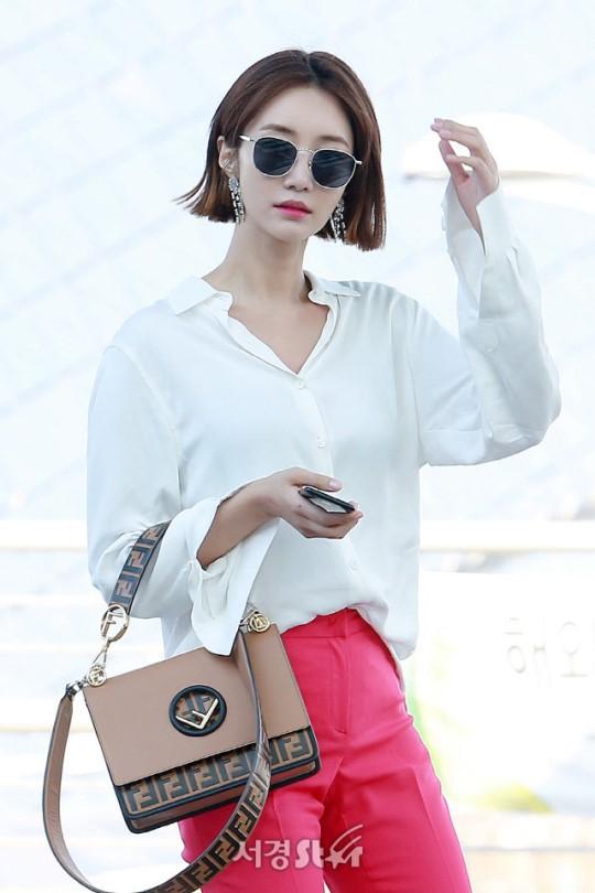 Bao năm rồi mỹ nhân She was pretty Go Jun Hee vẫn gây sốt vì đẹp đẳng cấp và sang chảnh khó tin tại sân bay - ảnh 5