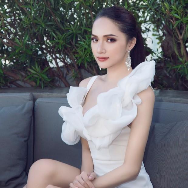 Hoa hậu Hương Giang: Lần đầu được mặc bikini, tôi như sống lại cuộc đời mới - Ảnh 9.