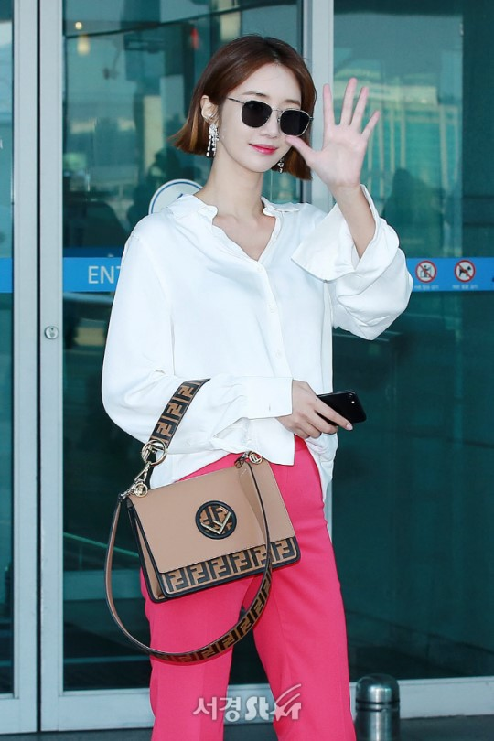 Bao năm rồi mỹ nhân She was pretty Go Jun Hee vẫn gây sốt vì đẹp đẳng cấp và sang chảnh khó tin tại sân bay - ảnh 11