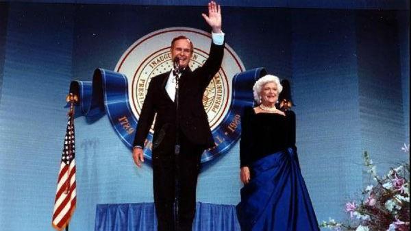 """Mối tình trong mơ 77 năm yêu trọn vẹn, thủy chung của vợ chồng cựu Tổng thống Mỹ George Bush """"cha"""" - Ảnh 3."""