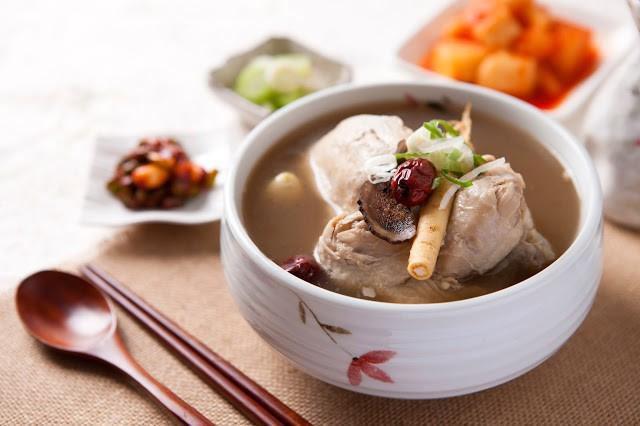 Ngày hè nóng nực nhưng người Hàn Quốc vẫn chuộng món ăn nóng hổi này bởi lý do ít ai đoán được - Ảnh 1.