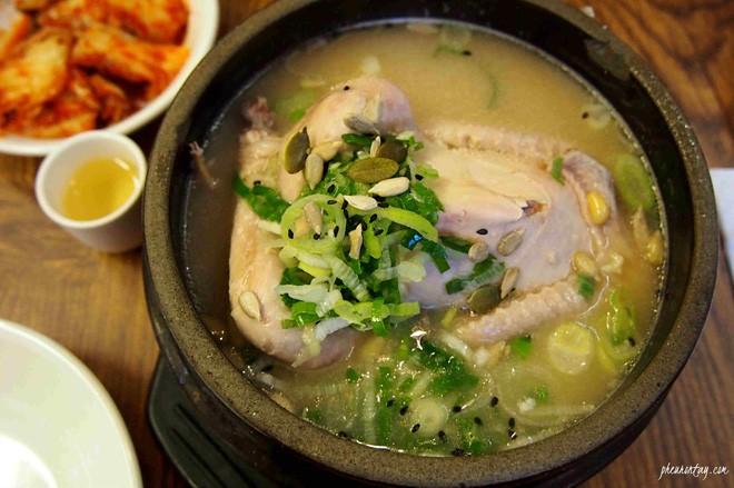 Ngày hè nóng nực nhưng người Hàn Quốc vẫn chuộng món ăn nóng hổi này bởi lý do ít ai đoán được - Ảnh 3.