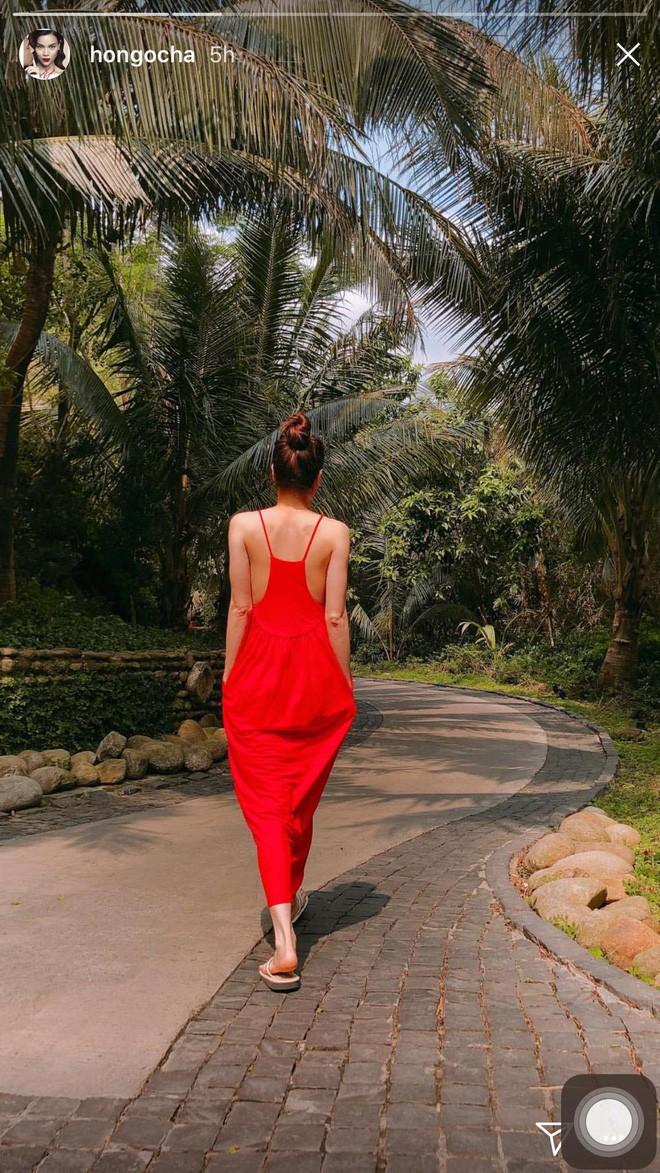 Cùng diện một thiết kế váy 550 nghìn của Zara, Hà Anh dù bầu bí nhưng không hề kém đẹp hơn Hà Hồ - Ảnh 4.