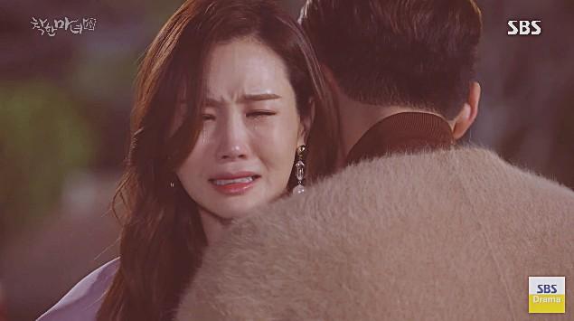 Phát hiện chồng bón ăn cho nhân tình ở trên giường của mình, Lee Da Hae đã làm thế này - Ảnh 5.