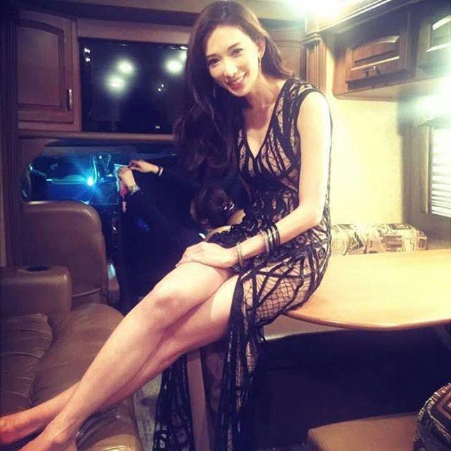 Sở hữu nhan sắc và thần thái hạng A showbiz, nhưng Taylor Swift - Dương Mịch - Min Hyo Rin đều có cùng một góc chết? - Ảnh 15.