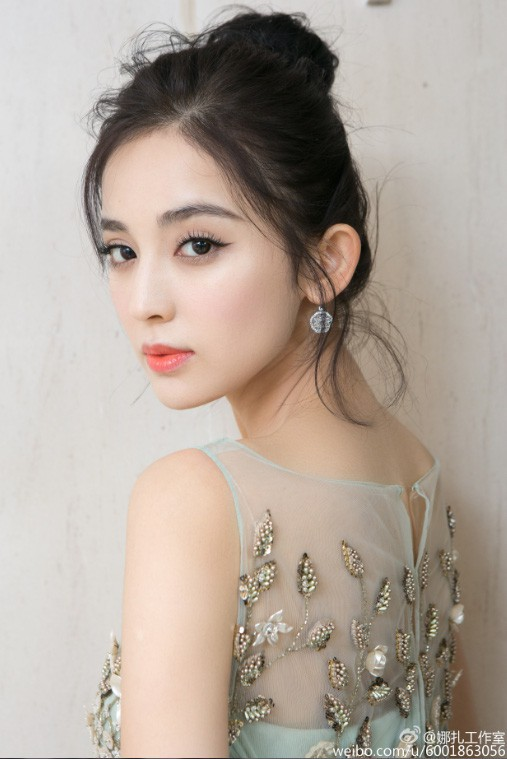 Sở hữu nhan sắc và thần thái hạng A showbiz, nhưng Taylor Swift - Dương Mịch - Min Hyo Rin đều có cùng một góc chết? - Ảnh 16.