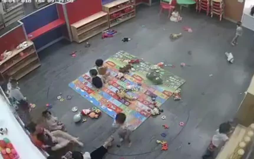 Vụ cô giáo mầm non đánh liên tiếp trẻ ở Nghệ An: Tạm đình chỉ cô giáo, cơ sở mới được cấp phép hoạt động vào ngày xảy ra vụ việc