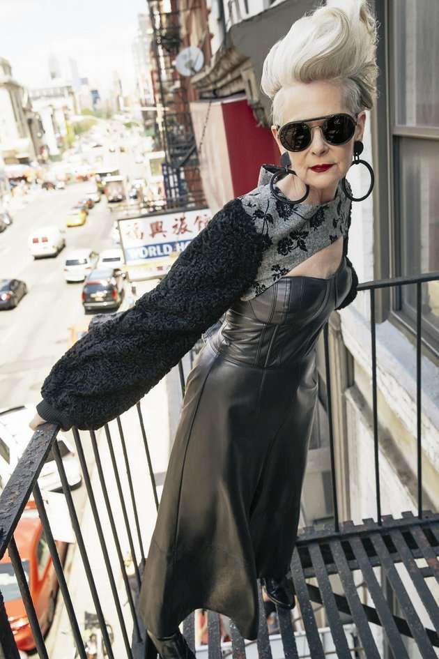 Cụ bà trở thành biểu tượng thời trang tuổi 64 và câu chuyện danh tiếng ập đến theo cách không thể ngờ tới - Ảnh 2.